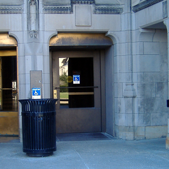 Cathedral of Learning entrance